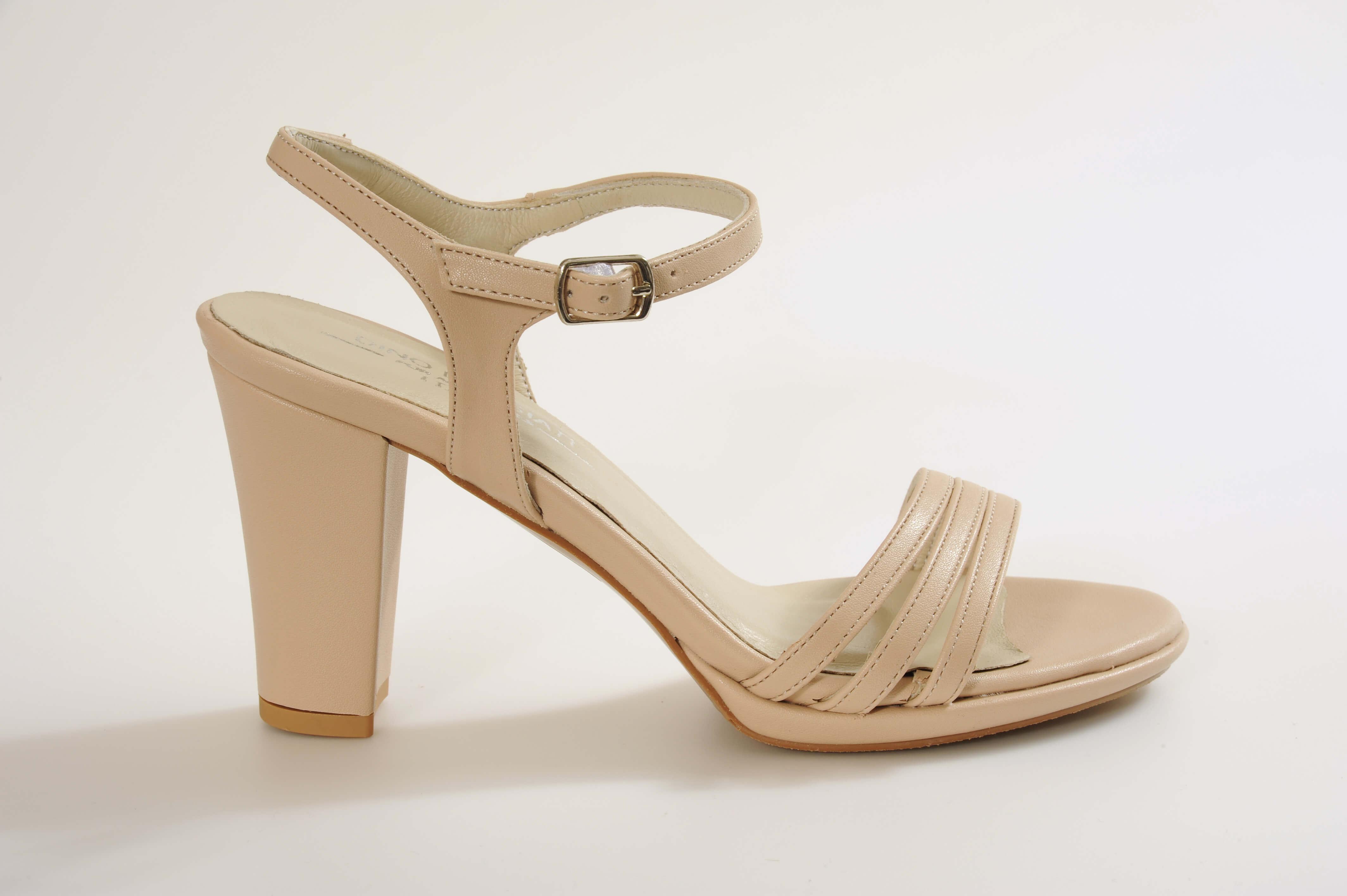 דגם GIANNA נעלי כלה עקב בינוני