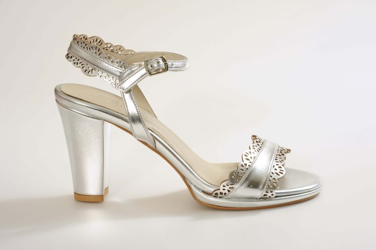 דגם ISLA נעלי כלה עקב בינוני