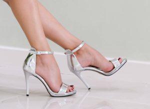 סנדלי עקב נעלי ארו