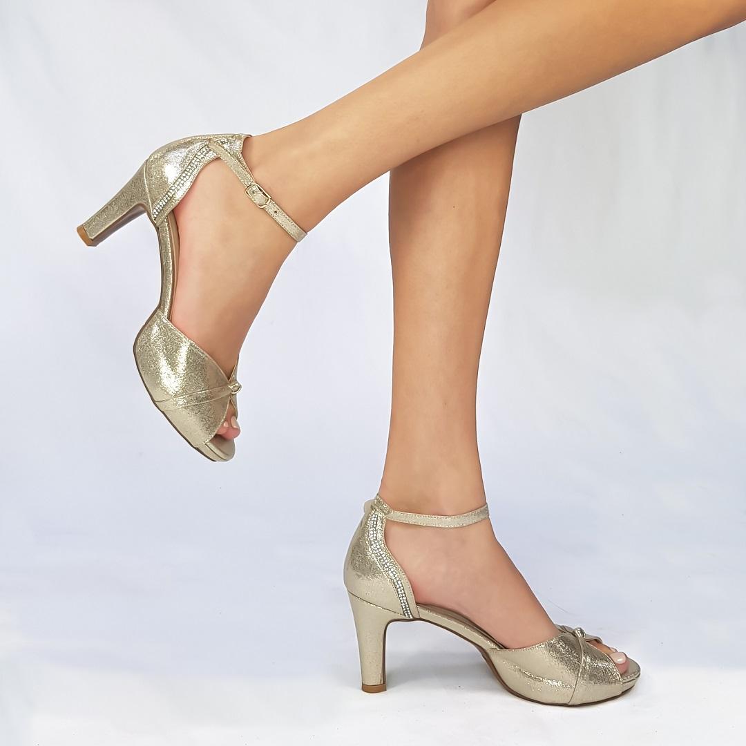נעלי עקב ארו