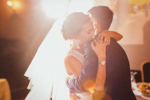 כמה עולה חתונה - נעלי ארו