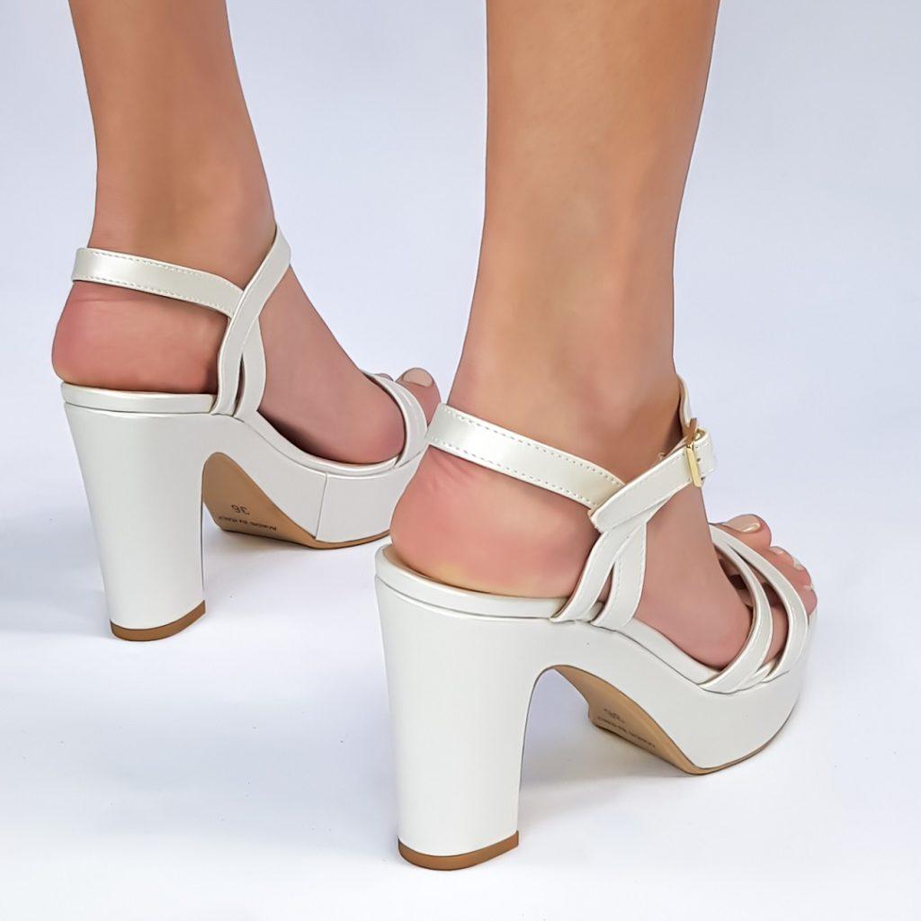 נעלי עקב פלטפורמה