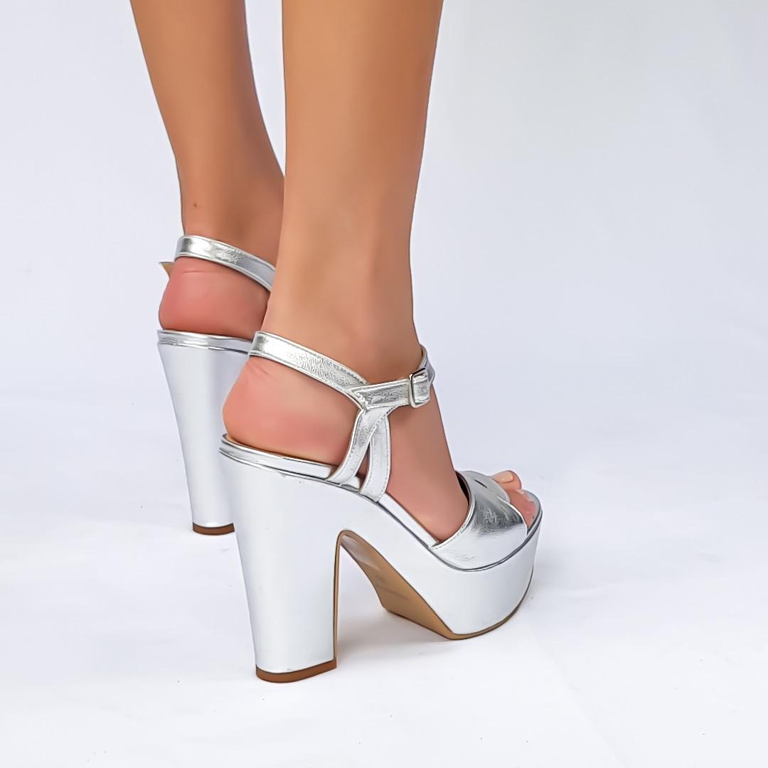 נעלי עקב פלטפורמה ארו